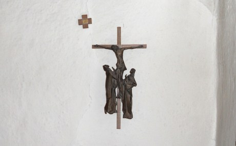 12. Station: Jesus stirbt am Kreuz